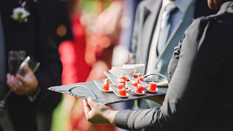 Claves para tener un catering elegante en tu boda