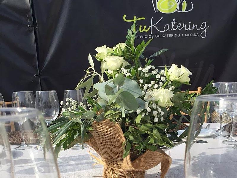 Tukatering, Wedding en On